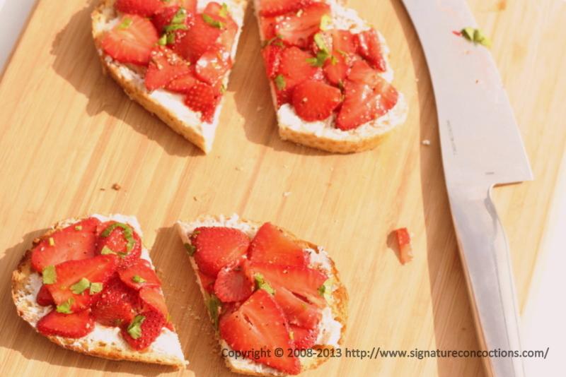 Bruschettas with Goat Cheese and Balsamic Strawberries