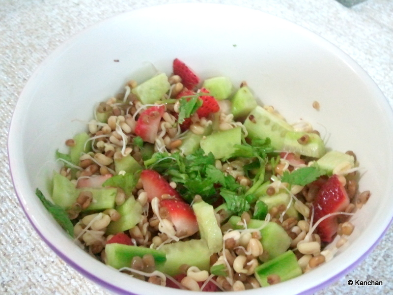 Moong Sprouts & Strawberry Salad